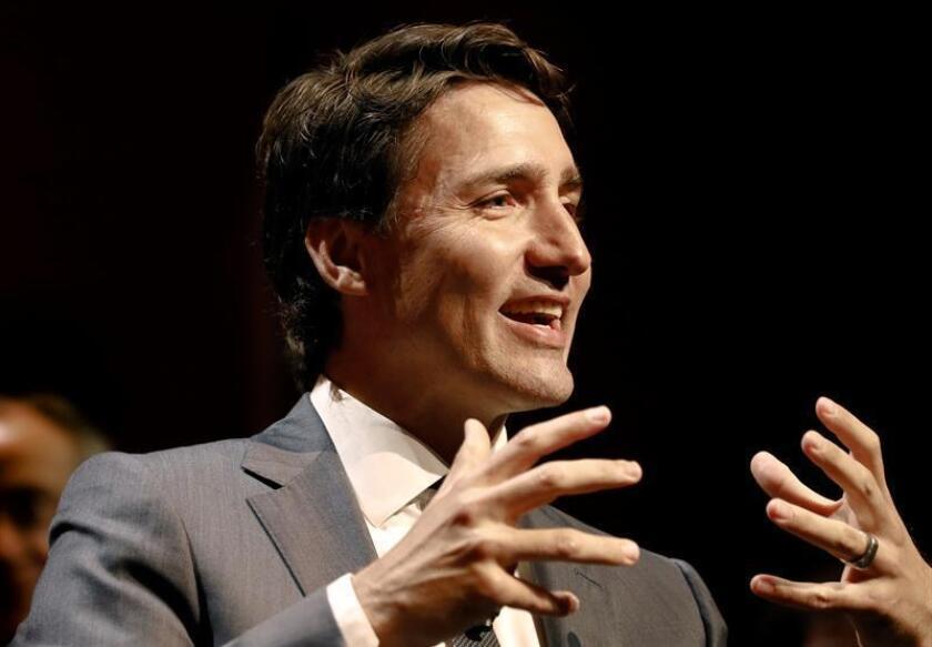 El primer ministro canadiense, Justin Trudeau, habla durante una entrevista en un acto en el Club Económico de Nueva York, en Nueva York, Estados Unidos. EFE/Archivo