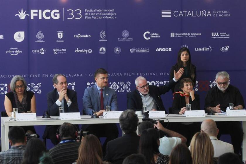 Vista general de los directivos del patronato del FICG durante una rueda de prensa hoy, lunes 5 de marzo de 2018, para anunciar a los invitados a este evento, en la ciudad de Guadalajara (México). EFE