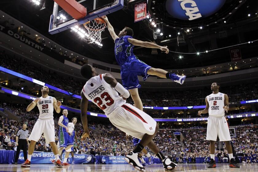 NCAA Party Crashers Basketball