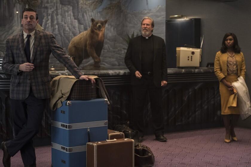 """De izq. a der., Jon Hamm, Jeff Bridges y Cynthia Erivo en una escena de """"Bad Times at the El Royale"""", ya en salas de cine."""