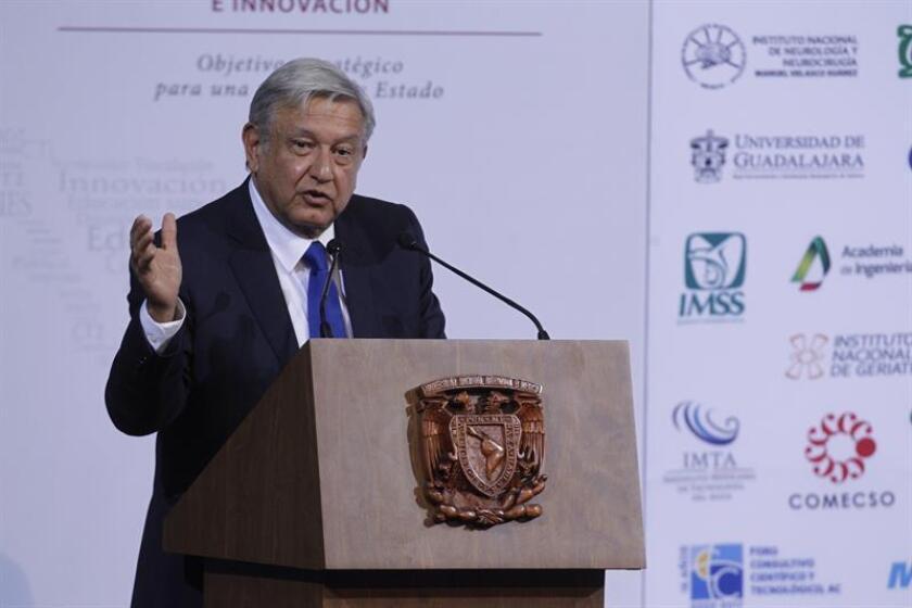 Transcurridos casi dos meses desde que ganó las elecciones mexicanas, Andrés Manuel López Obrador está perfilando la que será su Presidencia a partir del 1 de diciembre y en la que no cabrán algunas de las promesas que hizo durante la campaña electoral. EFE/ARCHIVO