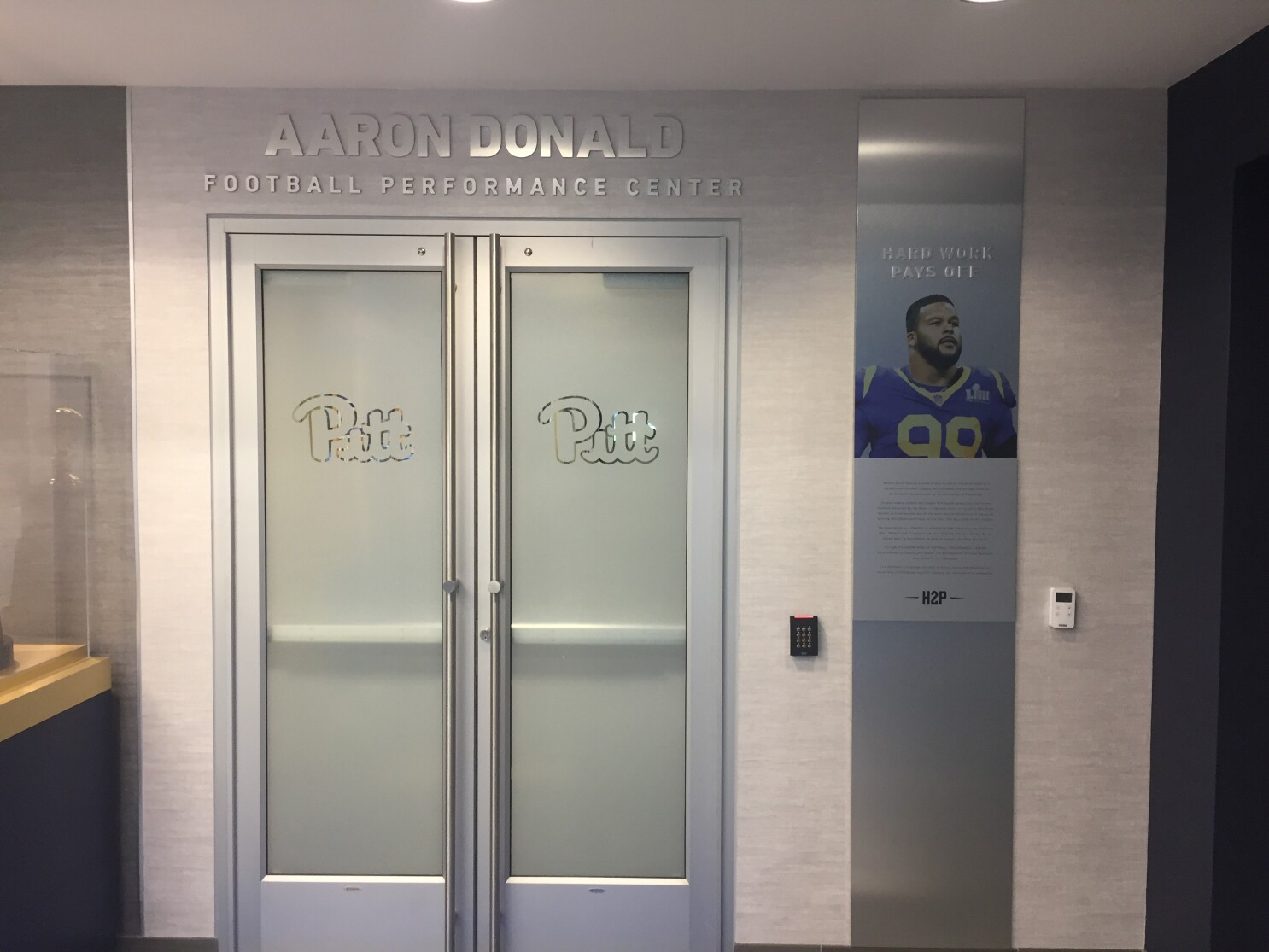 Rams Aaron Donald Off To Hometown To Face Pittsburgh Steelers Los Angeles Times