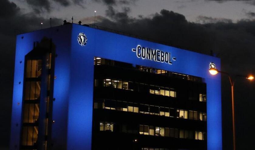 Imagen de archivo de la fachada de la sede de la Confederación Sudamericana de Fútbol (Conmebol). EFE/Archivo