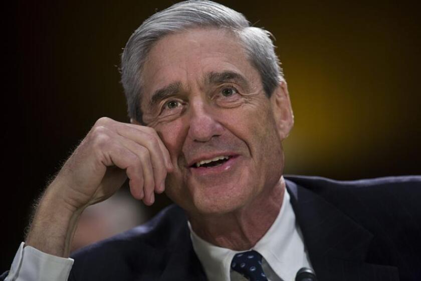 """El presidente Donald Trump está """"muy ansioso"""" de sentarse a testificar ante el fiscal especial que investiga la llamada trama rusa, Robert Mueller, según el abogado del gobernante Ty Cobb. EFE/Archivo"""