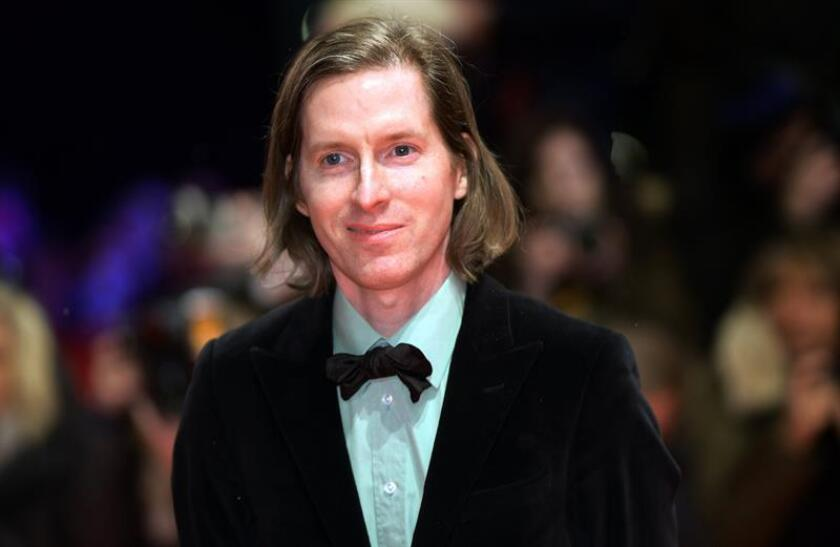 Wes Anderson poses at the red carpet for the opening ceremony of the 68th annual Berlin International Film Festival (Berlinale). EFE