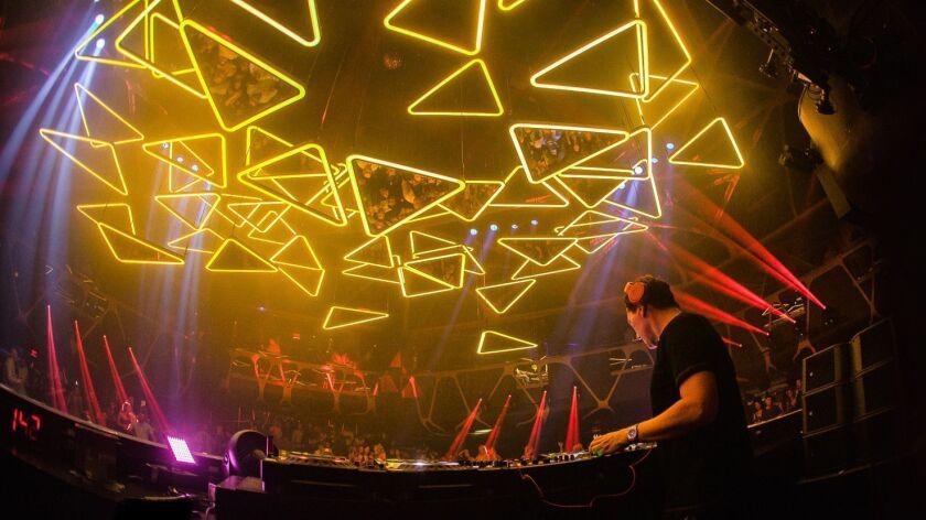Dance floor on the ceiling? Vegas club's new light grid