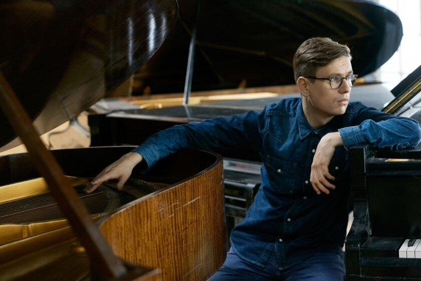 """In a concert with the San Diego Symphony on Saturday, Víkingur Ólafsson's performance of the """"Piano Concerto no. 24 in C minor"""" by Mozart """"was cleanly played. Climaxes thundered, enhanced by exaggerated contrasts in volume. There may have been nothing new in Ólafsson's interpretation, but he captured the brooding spirit of the work,"""" says reviewer Christian Hertzog."""