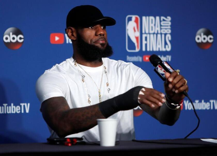 Cleveland Cavaliers forward LeBron James responds to a question during post NBA Finals in game four after losing to the Golden State Warriors at Quicken Loans Arena in Cleveland, Ohio, USA, 08 June 2018. EFE