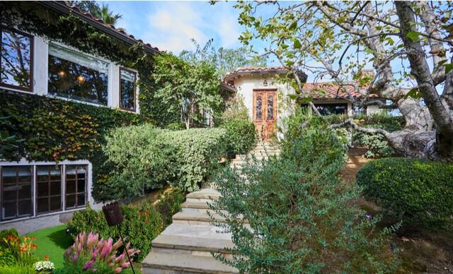 John Stamos' Beverly Hills area home