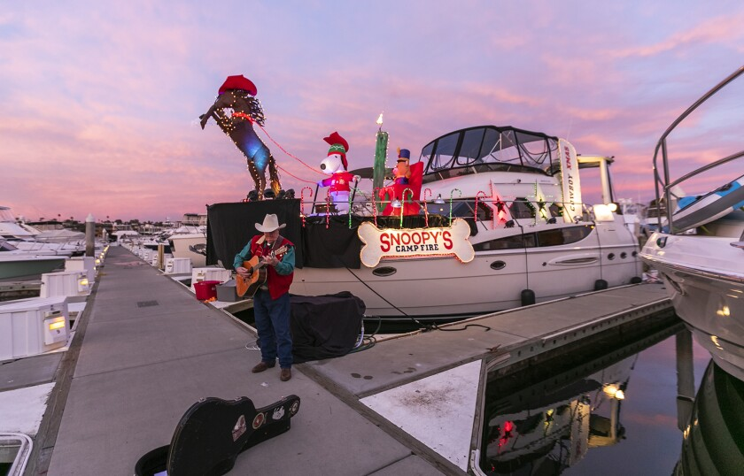 Cowboy country singer Rusty Richards to perform at the Newport Beach Christmas Boat Parade