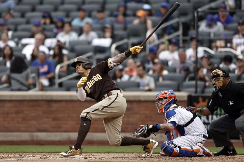 Manny Machado hits a solo home run against the Mets