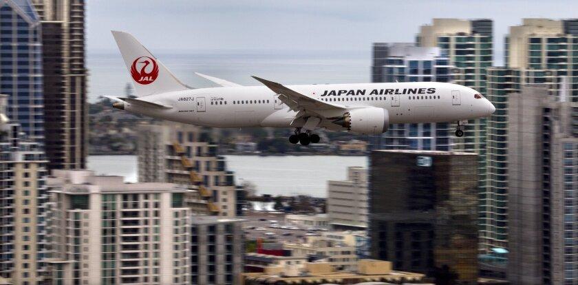 El Boeing 787 Dreamliner de Japan Airlines llega a San Diego