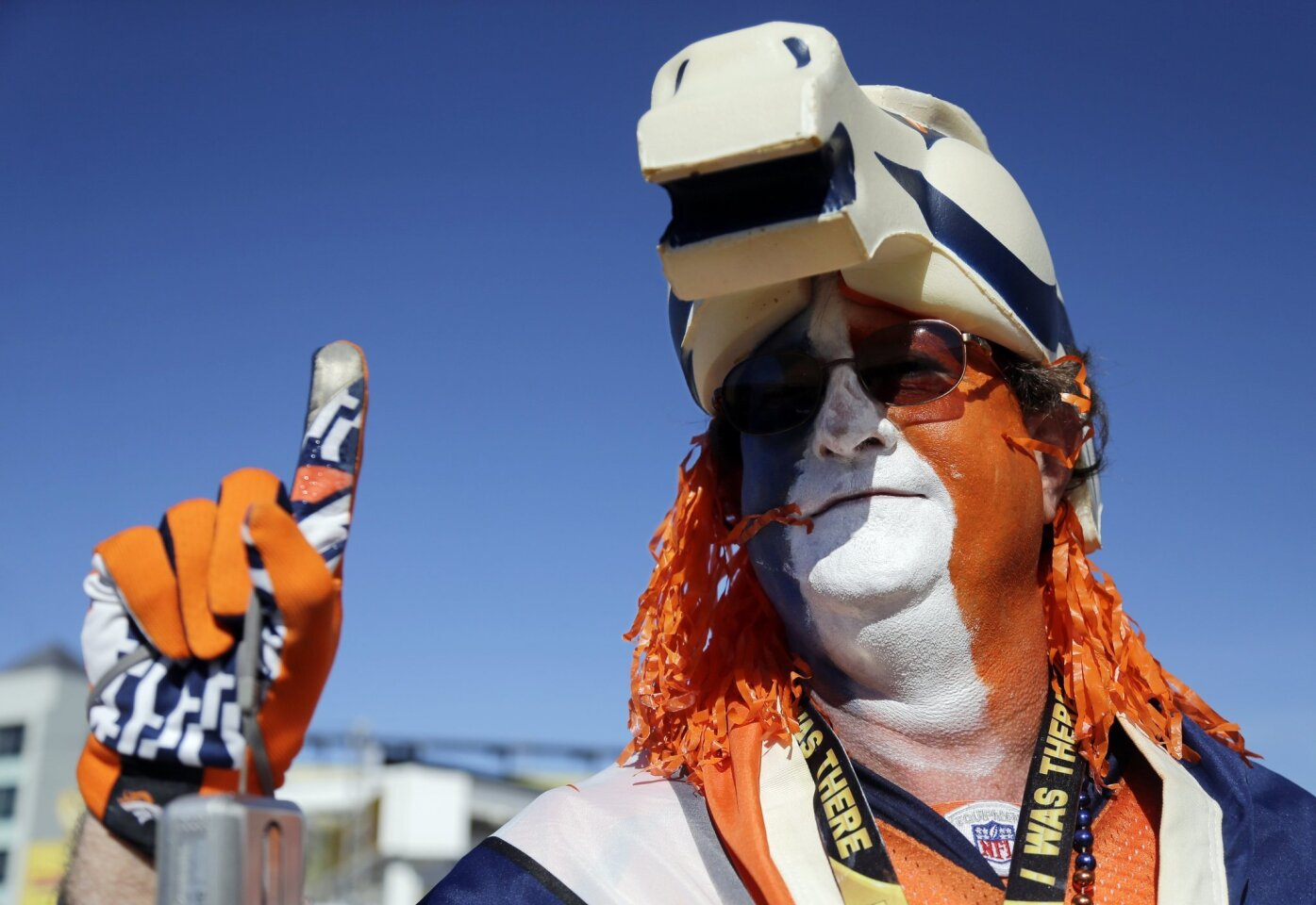Dwayme Fox poses before the NFL Super Bowl 50 football game between the Denver Broncos and the Carolina Panthers, Sunday, Feb. 7, 2016, in Santa Clara, Calif. (AP Photo/Julie Jacobson)