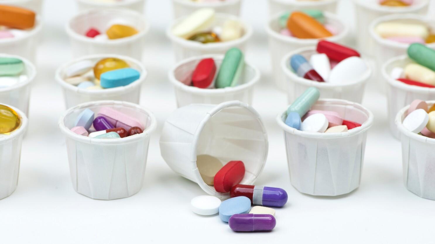 Điều trị u tuyến giáp bằng thuốc thường được áp dụng khi khối u còn nhỏ