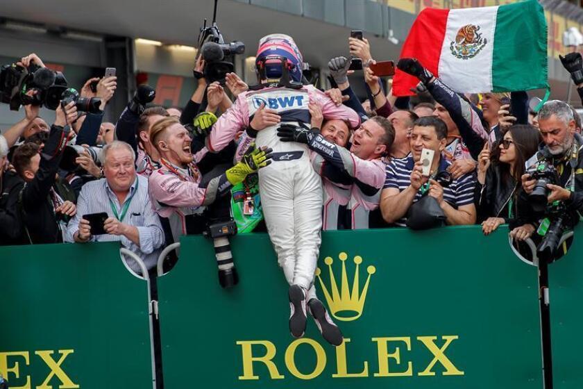 Mexican Formula One driver Sergio Perez of Sahara Force India F1 Team celebrates with his team members after the 2018 Formula One Grand Prix of Azerbaijan at the Baku City Circuit, in Baku, Azerbaijan. EFE/EPA