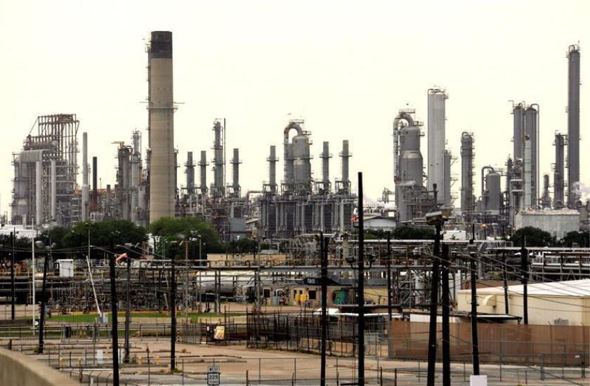 Más de 300.000 galones de hidrocarburos (diesel) fueron trasladados hoy de Texas (EEUU) a Tijuana (México) por vía férrea por primera vez en casi 100 años, informó hoy el director general de la empresa Baja California Railroad (BJRR), Roberto Romandía. EFE/ARCHIVO