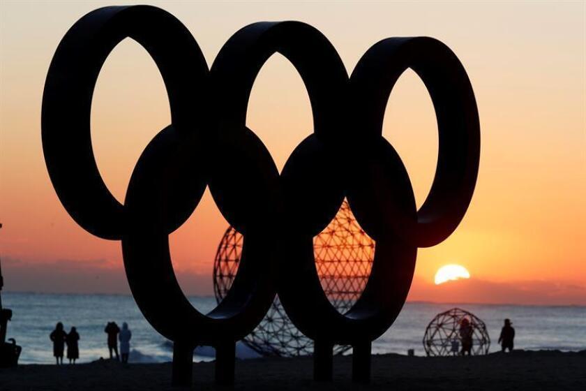 El Comité Olímpico de Puerto Rico (COPUR) anunció hoy la salida mañana de la delegación, entre ellos un esquiador, que competirá en los Juegos Olímpicos de Invierno a celebrarse desde el próximo viernes, 9 al 25 de febrero en Pyeongchang (Corea del Sur), y que marca el regreso de la isla a dicha competición invernal. EFE/Archivo