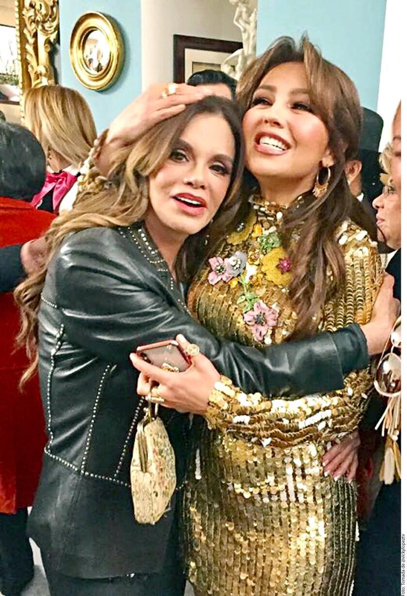 Las alegrías en la vida de Thalía son muchas, pero pocas tan grandes como la que sintió al festejar los 100 años de su abuelita, Eva Mange, a su lado.