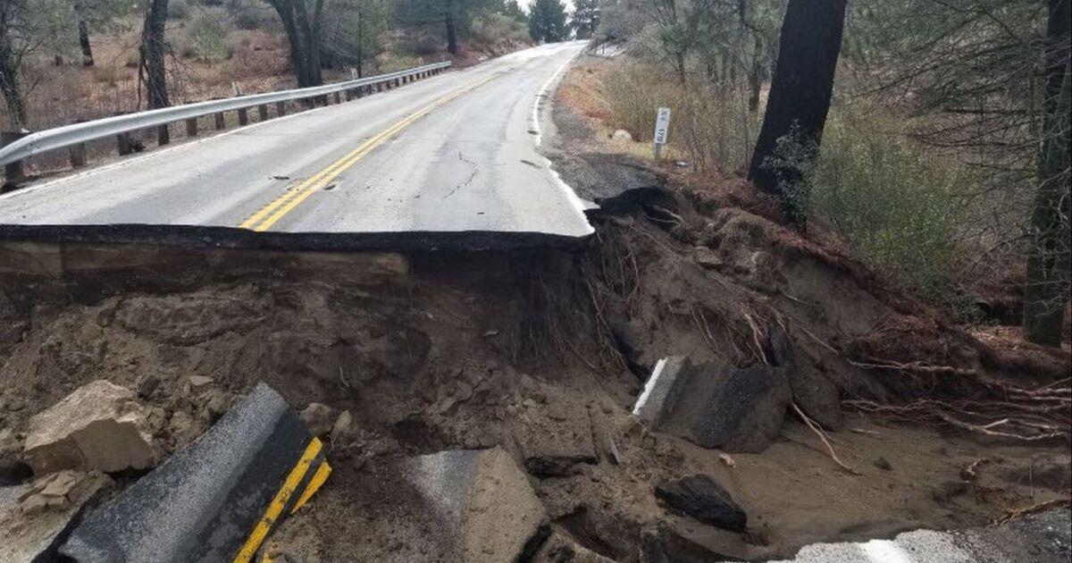 雨で被災したカリフォルニア243にIdyllwild,館後ます。 14閉鎖