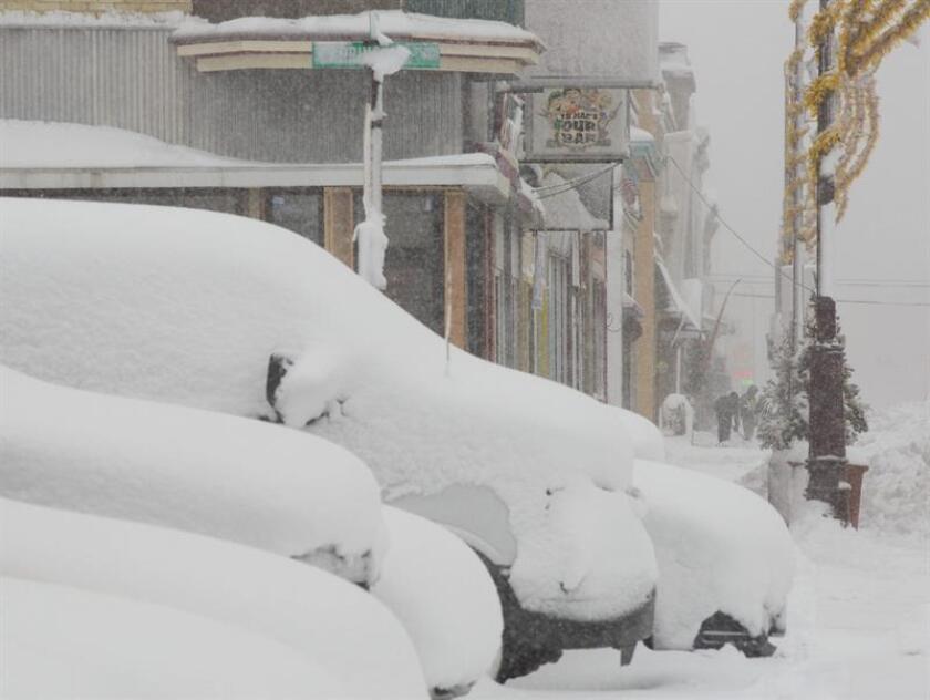 Las más de 65 pulgadas de nieve que se han acumulado desde el día de Navidad en la ciudad de Erie, a orillas del lago de nombre homónimo, rompieron hoy un récord de nevadas en el estado de Pensilvania, de acuerdo con los datos del Servicio Meteorológico Nacional. EFE/ARCHIVO