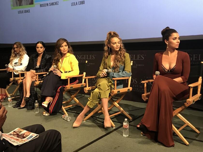 La charla fue moderada por Leila Cobos, ejecutiva de Billboard y experta en el 'mainstream' musical.