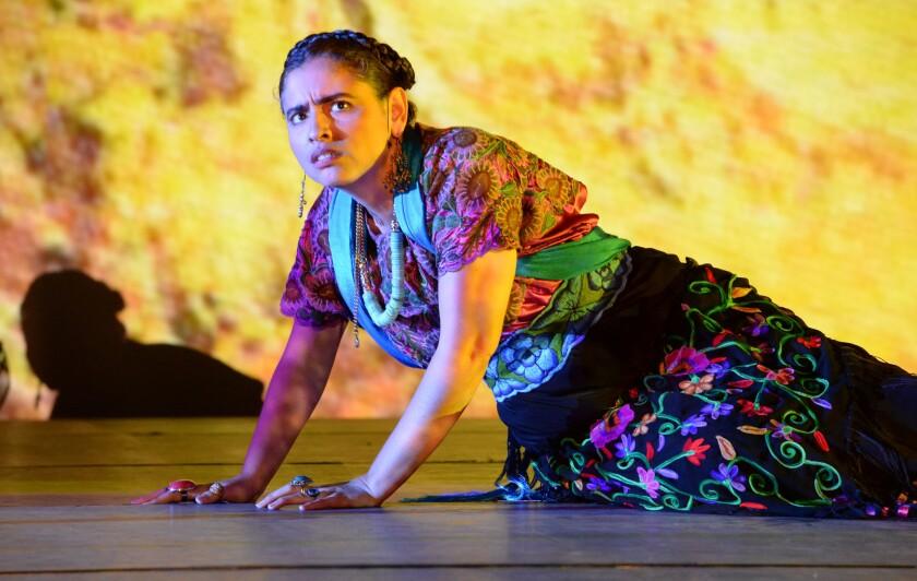 Laura Virella es una Frida impresionante en este montaje dirigido por Andreas Mitisek.