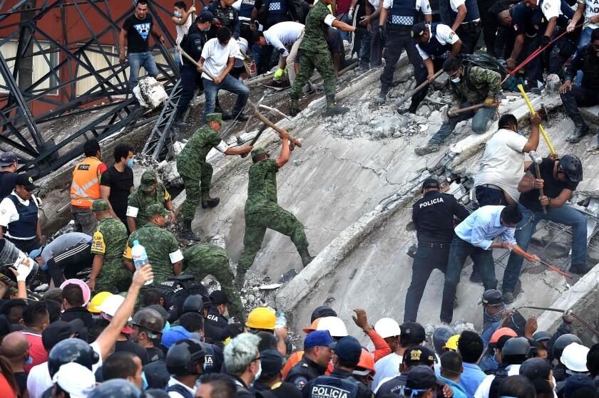 Powerful quake rocks Mexico