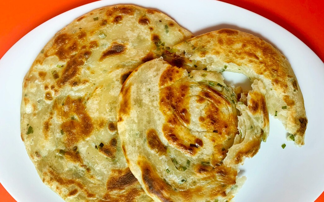 LOS ANGELES, CA.,(May 1, 2020) How to boil water -scallion pancakes (Geneveive Ko/ Los Angeles Times)