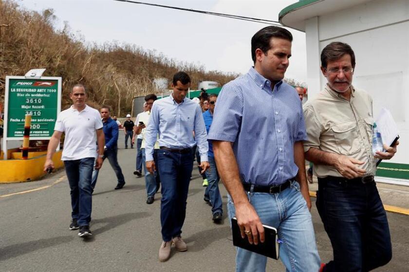 El gobernador de Puerto Rico, Ricardo Rosselló (i), y el secretario de Estado, Luis Rivera Marín (d). EFE/Archivo
