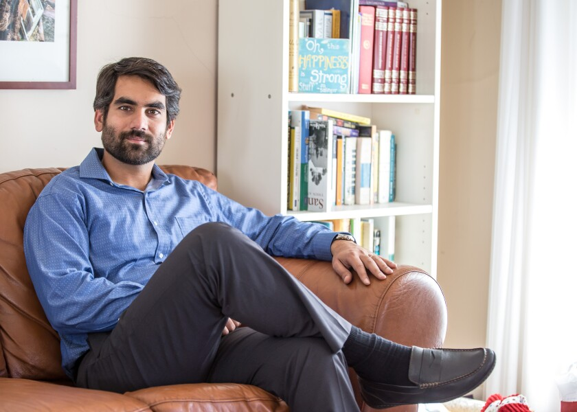 Navid Zamani is a bilingual marriage and family therapist.