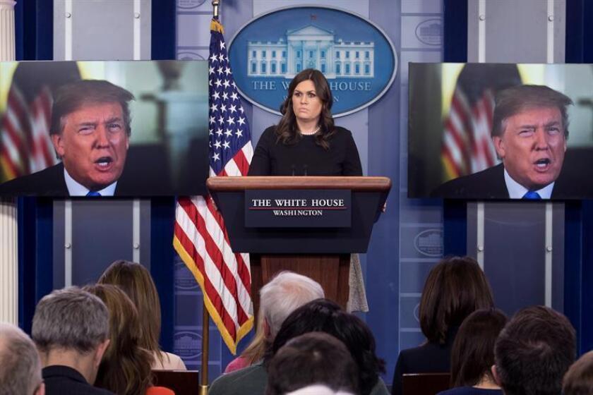 La portavoz de la Casa Blanca, Sarah Huckabee Sanders, ofrece una rueda de prensa en Washington (Estados Unidos). EFE/Archivo