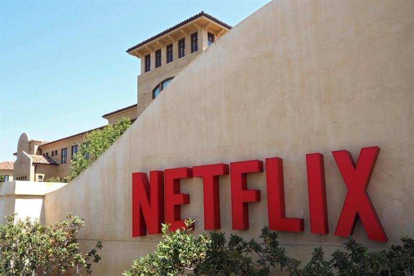 Fotografía que muestra el logotipo de la plataforma líder de televisión por internet a nivel mundial, Netflix, en su sede de Los Gatos, California (Estados Unidos). EFE/Archivo
