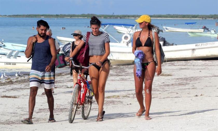 La actividad turística de México aumentó 2,3 % en el segundo trimestre de 2018 respecto al mismo periodo del año pasado, empujado por el turismo extranjero, informó hoy el Instituto Nacional de Estadística y Geografía (Inegi). EFE/Archivo