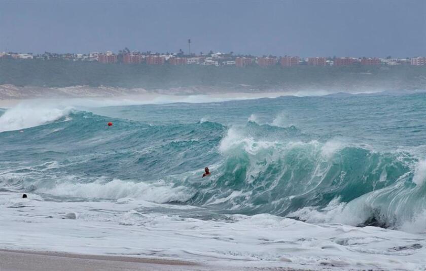 Aletta, el primer huracán de la temporada 2018 en el Océano Pacífico, alcanzó hoy la categoría 3 a una distancia de unos 700 kilómetros de las costas de México, informó el Servicio Meteorológico Nacional (SMN). EFE/Archivo