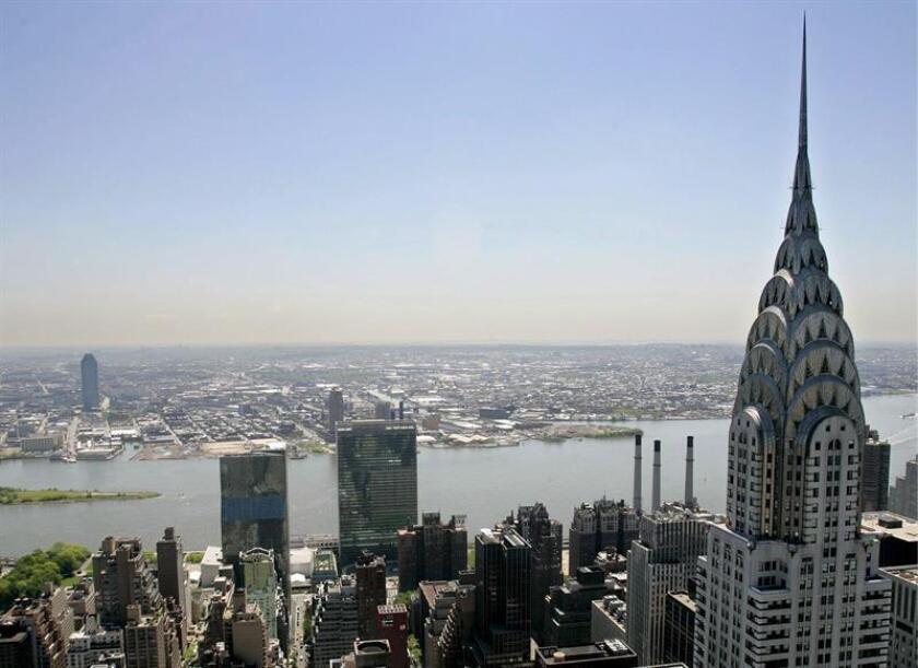 Fotografía de archivo que muestra la aguja del edificio Chrysler en Nueva York (EEUU). EFE/Archivo