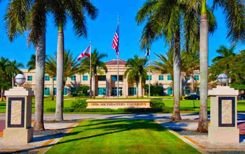 La Universidad Nova Southeastern de Florida.