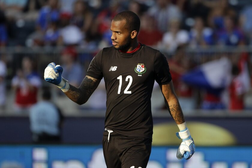 Panama goalkeeper Luis Mejia reacts after blocking a shot by United States' Michael Bradley during a penalty kick shootout in the CONCACAF Gold Cup third place soccer match, Saturday, July 25, 2015, in Chester, Pa. Panama won. (AP Photo/Matt Rourke)