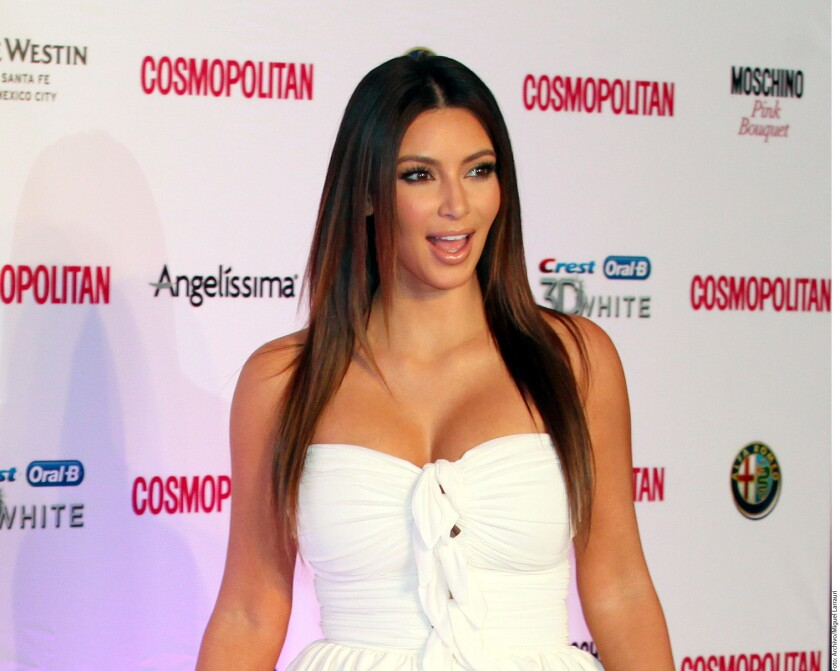 Kim Kardashian está planeando tener otro bebé por maternidad subrogada, informó People.