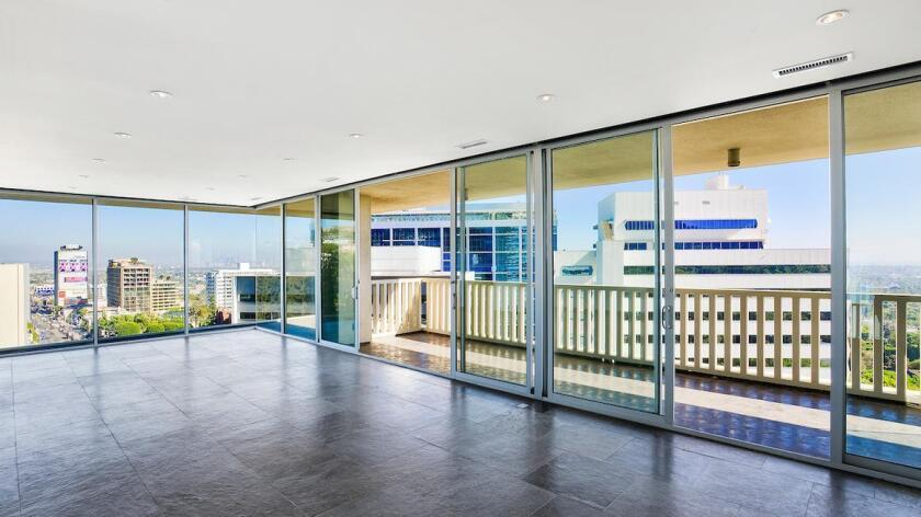Lily Collins' West Hollywood condo   Hot Property