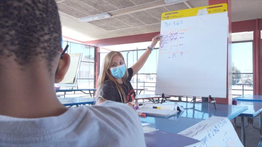 Teacher Maria Smith tutors at Eshelman Elementary in Lomita in fall 2020.