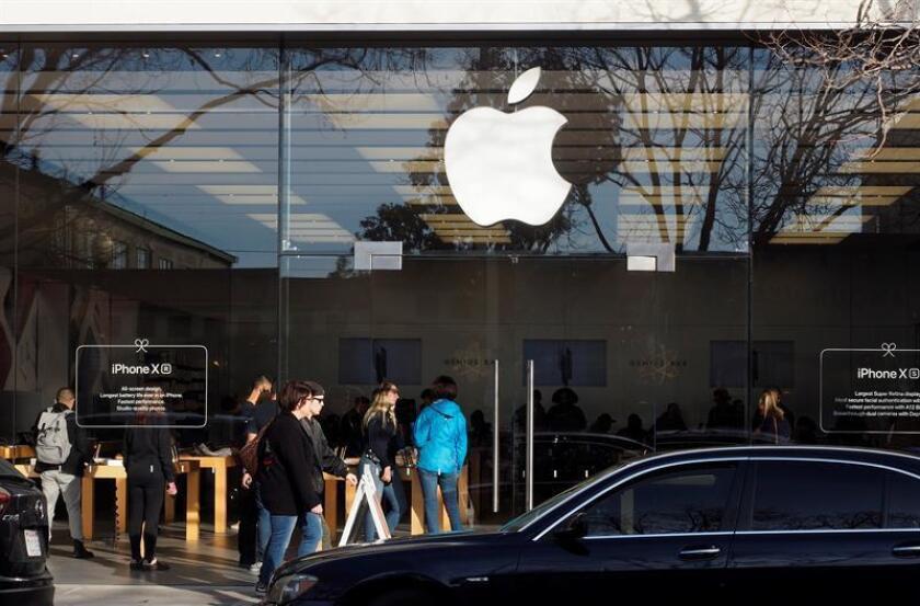 Vista exterior de la nueva tienda Apple reubicada en Walnut Creek, California, (EE.UU.). EFE/Archivo