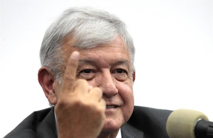 El presidente electo de México, Andrés Manuel López Obrador, dijo hoy que logró un acuerdo general con los empresarios que tenían contratada la obra en el Nuevo Aeropuerto Internacional de México (NAIM), cuya construcción fue cancelada tras una consulta ciudadana. EFE/ARCHIVO