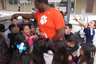 LA Chargers OL Chris Hairston visits San Diego elementary school