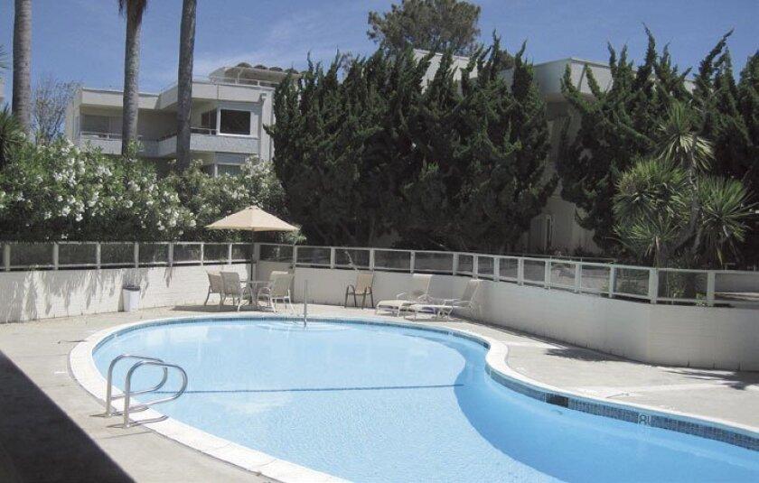 Villa-Del-Lido-Pool