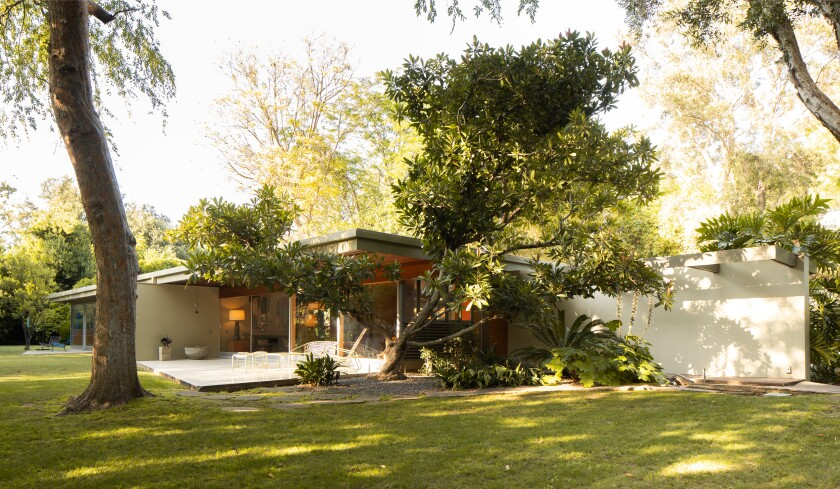 Built in 1949, the Midcentury gem dazzles with terrazzo terraces, cork floors and walls of glass.