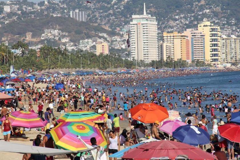 Vista general de las playas del puerto de Acapulco, estado de Guerrero (México). EFE/Archivo