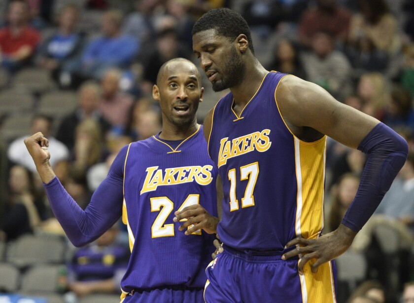 Lakers' slow process of improvement continues in 90-82 loss to Mavericks