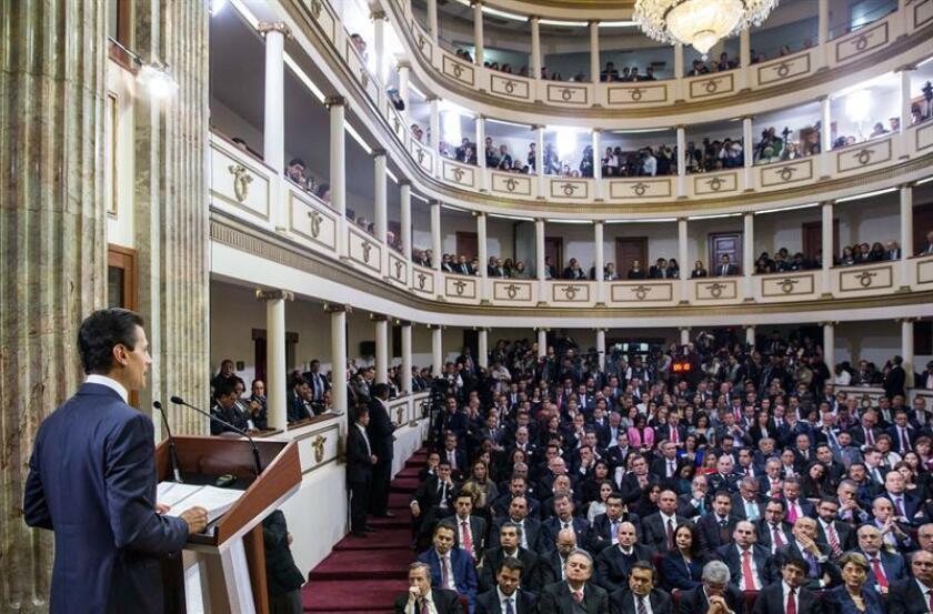 """""""Estas leyes permitirán un cambio de paradigma en favor de la integridad en el servicio público"""". Enrique Peña Nieto. Foto archivo."""