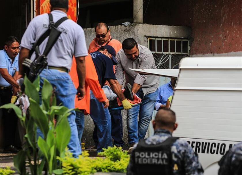 El cuerpo de una adolescente con un tiro en la cabeza fue encontrado hoy en el interior de una maleta abandonada en un jardín del céntrico barrio de Tlatelolco de Ciudad de México, confirmó la fiscalía capitalina. EFE/ARCHIVO