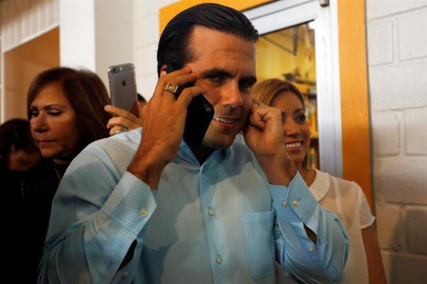 El gobernador de Puerto Rico, Ricardo Rosselló, continuó hoy con su serie de reuniones con grupos del sector privado que buscan contribuir al desarrollo económico de la isla, y recibió en La Fortaleza -sede del ejecutivo- a los miembros del Centro Unido de Detallistas (CUD). EFE/ARCHIVO
